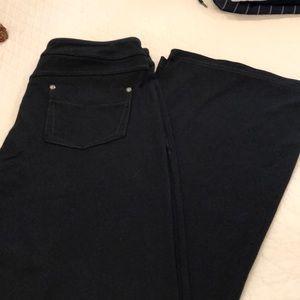 Athleta flare yoga pants with back pockets